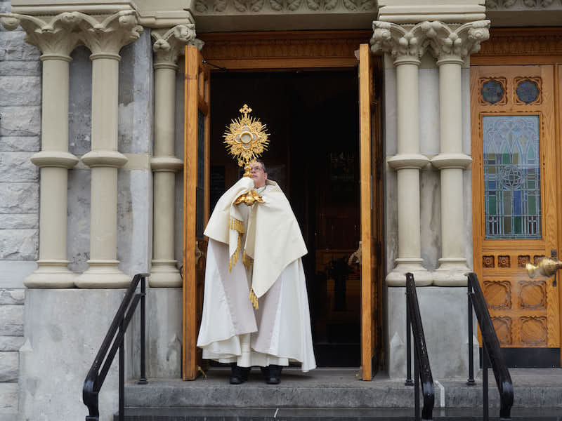 Bishop Lucia: Allow 'the limitless ocean of God's mercy' to overwhelm your misery