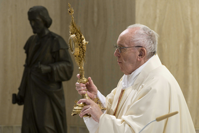 On St. Joseph feast day, pope prays for workers, employers
