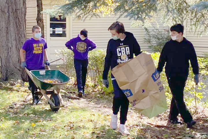 122043092 3170454743076914 666724081286861038 n - CBA football team helps out at Joseph's House