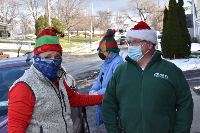 A holiday lunch-to-go, sprinkled with Ludden-like charity