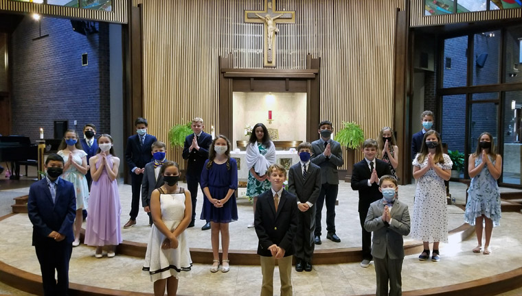 IC School marks graduation with Mass, music, and awards