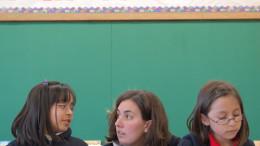 cover 260x146 - VOLUNTEER HELPS STUDENTS IN CLASSROOM OF MILWAUKEE SCHOOL